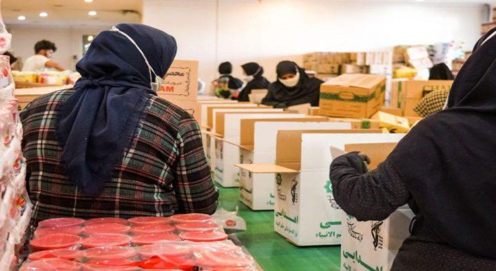 رزمایش مومنانه تعداد ۳۵ هزار بسته معیشتی تامین ، بسته بندی و برای استان ها
